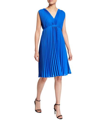 Sleeveless V-Neck Pleated Dress