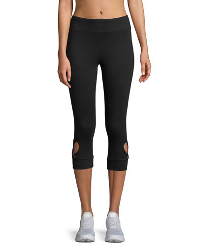 Heart Cutout Capri Leggings